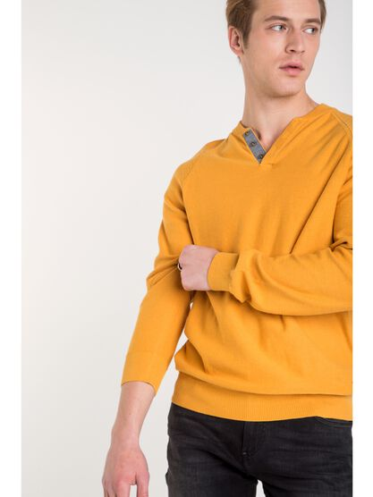 pull homme maille chinee jaune moutarde