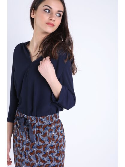 blouse manches 34 broderie bleu fonce