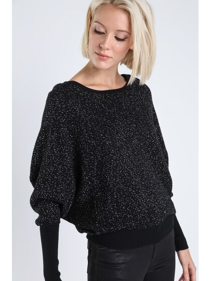 pull ample manches resserees noir