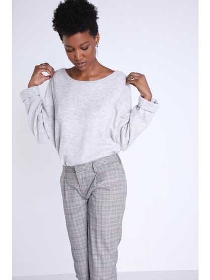 pull manches longues a revers gris clair