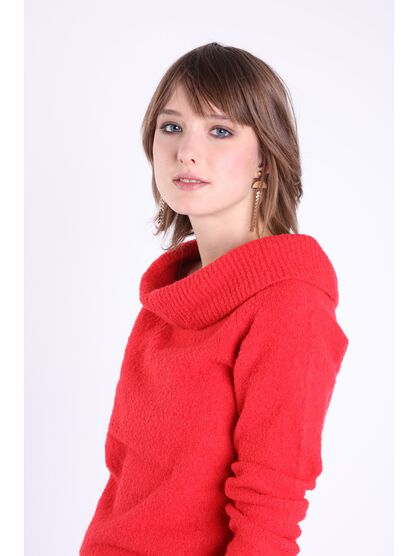 pull manches longues large col rouge