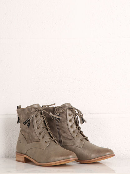 Bottines petit talon a glands gris clair femme
