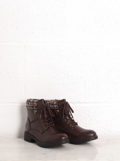 Bottines talons plats a lacets marron femme