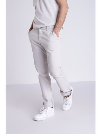 Pantalon straight Instinct chino ajuste gris clair homme